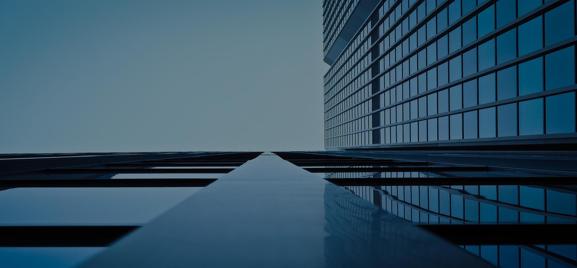 <small>Una inversión siempre conlleva sus riesgos</small>SEGUROS EMPRESAS